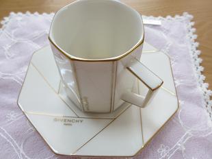 ジバンシィのマグカップ