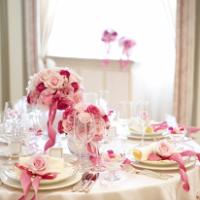 ピンク色の結婚式